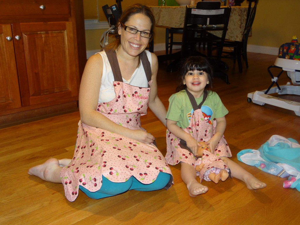 DSC02118 1024x768 Personalized kids matching Mom Child Doll Summer Closet Aprons Review/Giveaway!
