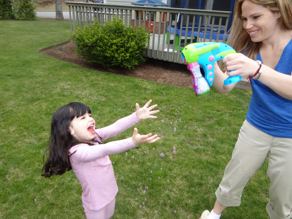 DSC02946 1024x768 Crayola Outdoor Bubble Launcher Prize Pack Review Giveaway!