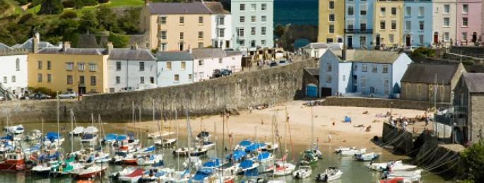 D3 TENBY HARBOUR Traveling in the Summer