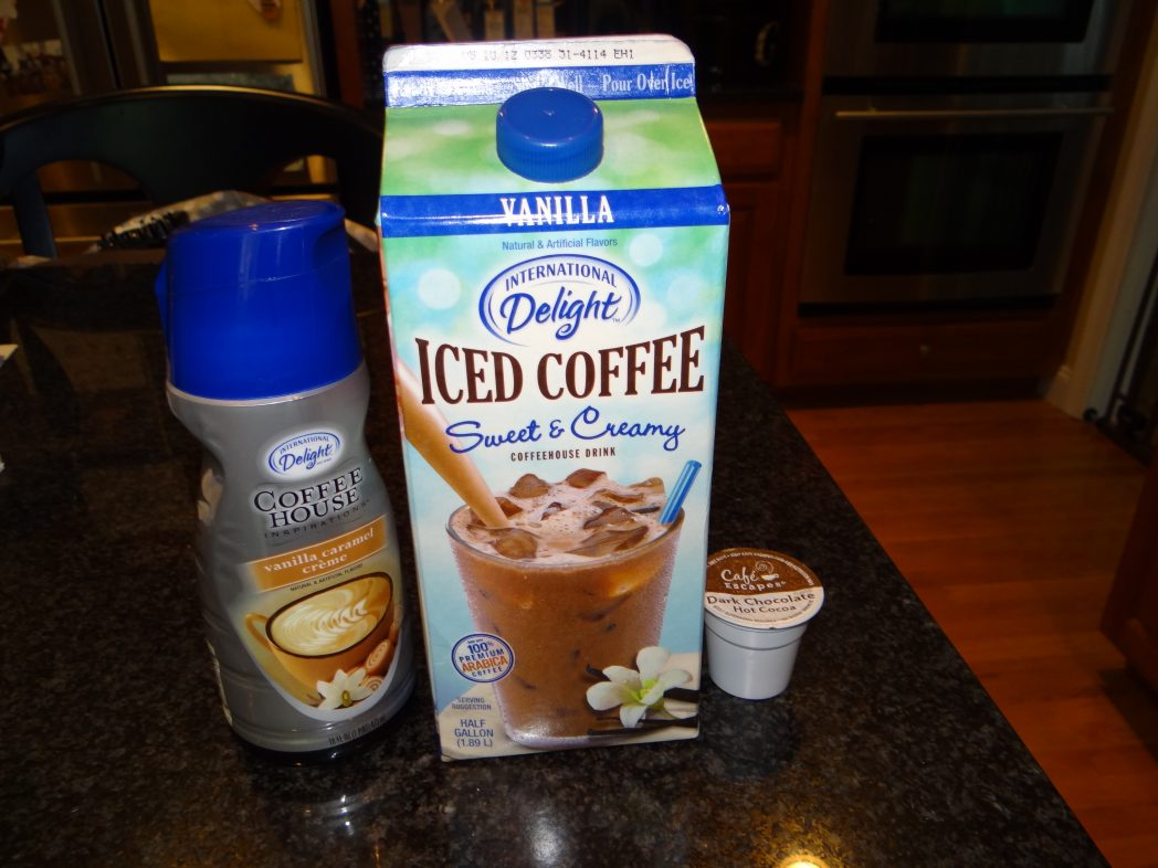 Amping up my Iced Coffee this summer with International Delight #IcedDelight #Cbias #SocialFabric