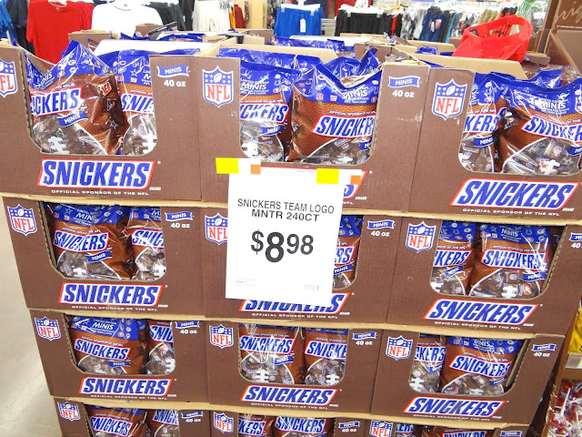 DSC05700 Getting ready for Football Season with some SNICKERS® Brand NFL Minis #SnickersMinis #Cbias