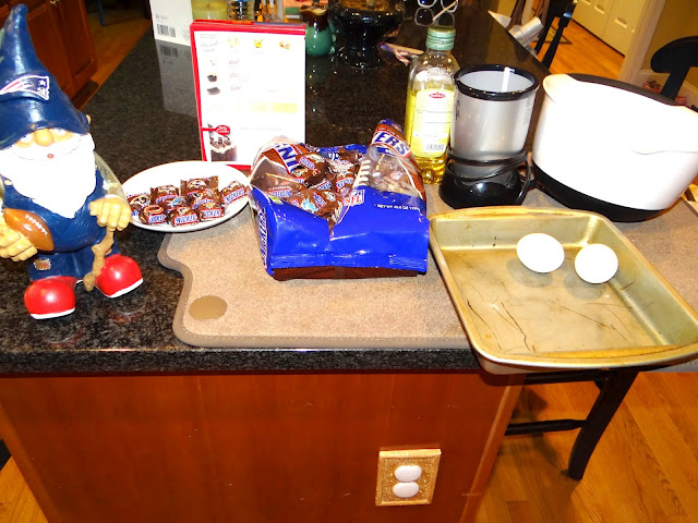DSC05719 Getting ready for Football Season with some SNICKERS® Brand NFL Minis #SnickersMinis #Cbias