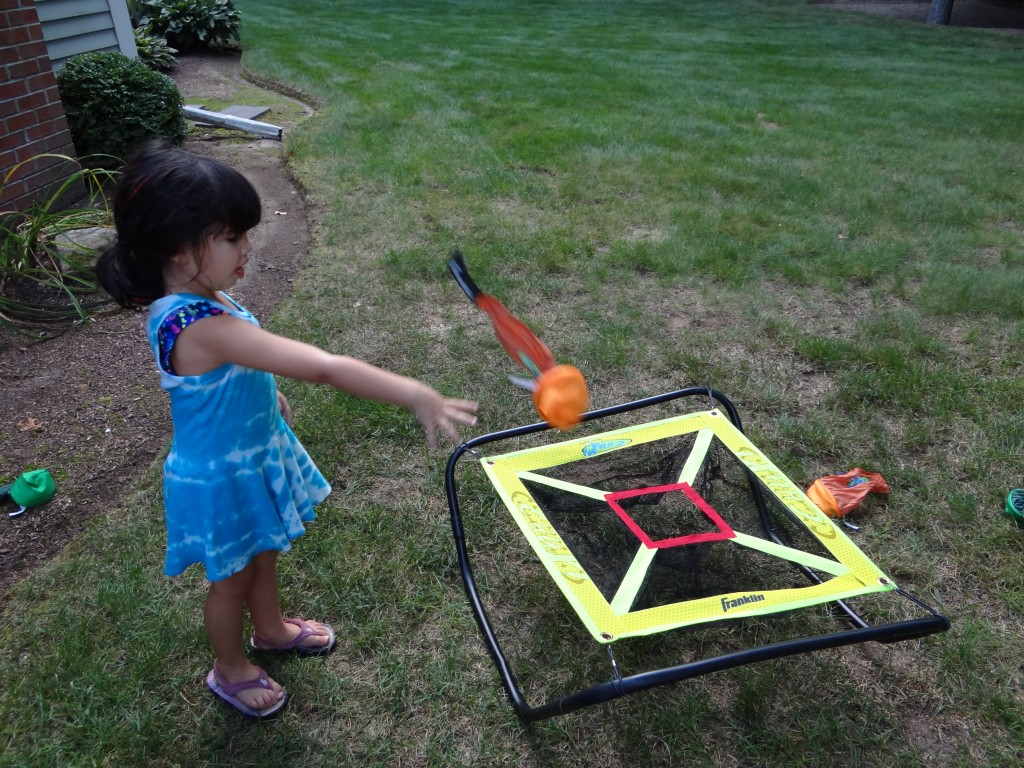 DSC05985 1024x768 Franklin Badminton Set, Bean Bag Toss, Target Toss Outdoor Games Review Giveaway!