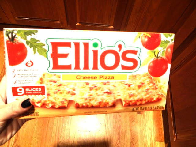 DSC06737 1024x7681 Ellio's Delicious Pizza  Review Giveaway! 2 winner=5 boxes of Ellios Pizza each!
