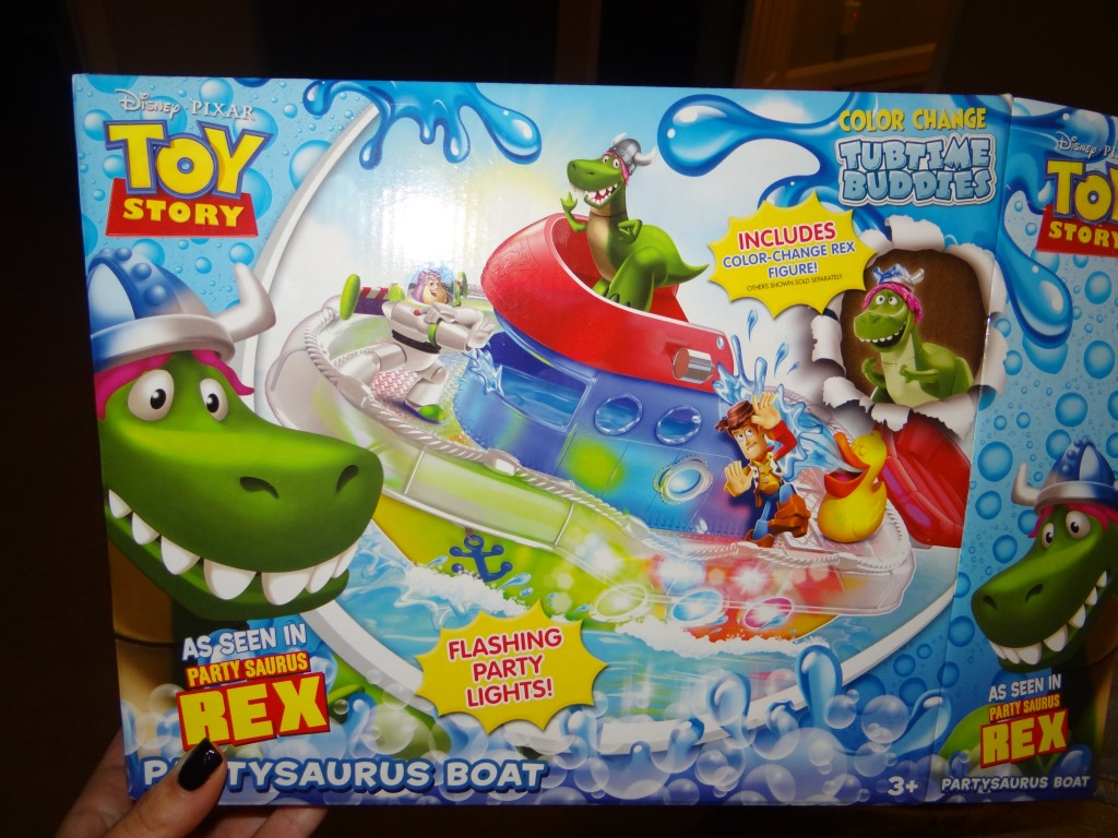 DSC06783 1024x768 Disney Pixar Toy Story Partysaurus Boat and Color Change Splash Buddies Tub Toys!