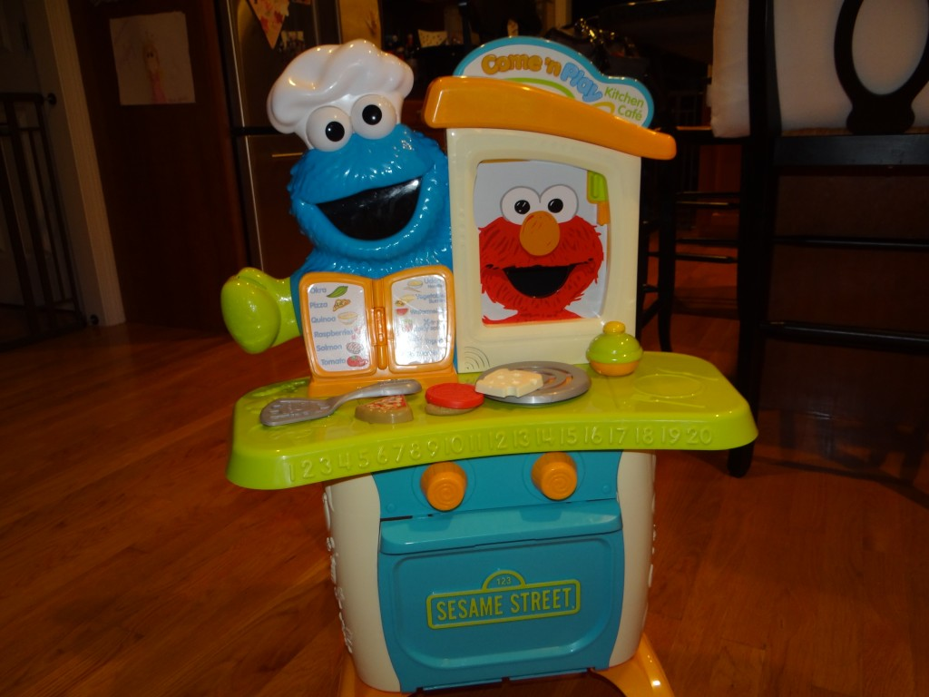 DSC06848 1024x768 Sesame Street Come N Play Cookie Monster Kitchen Cafe Review Giveaway!