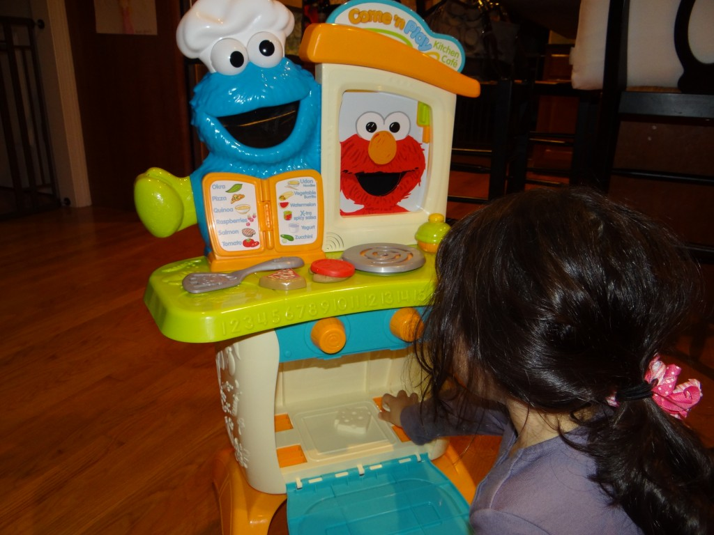 DSC06855 1024x768 Sesame Street Come N Play Cookie Monster Kitchen Cafe Review Giveaway!