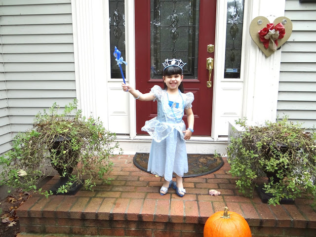DSC07079 Getting Ready For Our Halloween Princess Party #DisneyPrincessWMT #Cbias