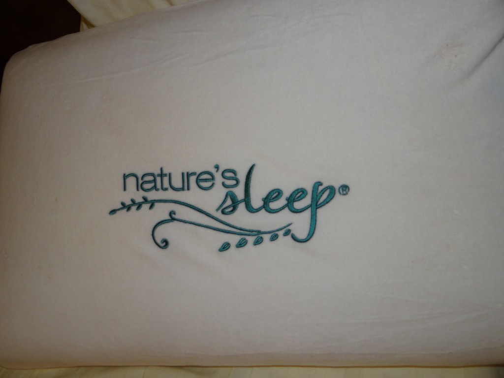 DSC07350 1024x768 Natures Sleep Viscolite Memory Foam Pillow Review and Group Giveaway
