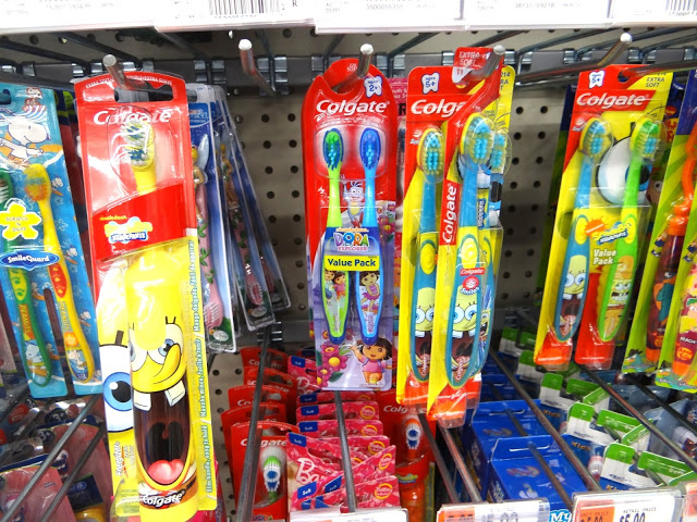 DSC079361 Colgate Holiday Packs Make Fantastic Stocking Stuffers! #HolidaySmiles #Cbias