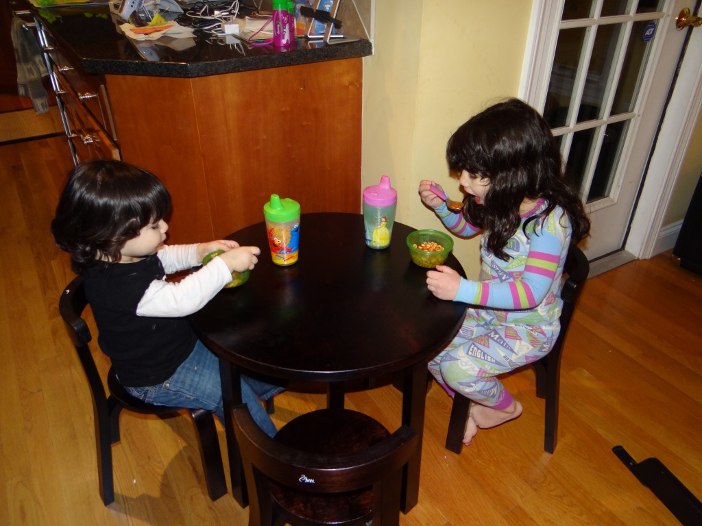 Svan Toddler Table and Chairs