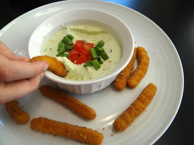 DSC003491 Tyson Chicken Fries and Avocado Ranch Dipping Sauce for the busy teenagers! #ChickenFryTime #cbias