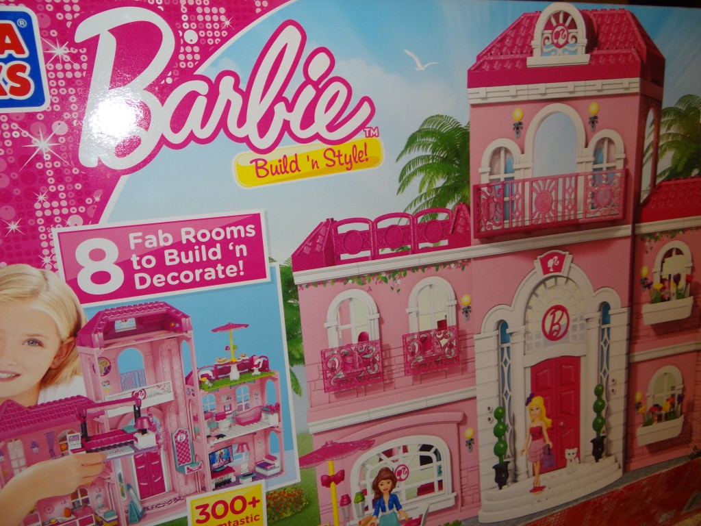 DSC00564 1024x768 Barbie Build n Style Luxury Mansion Review Giveaway  2 winners!