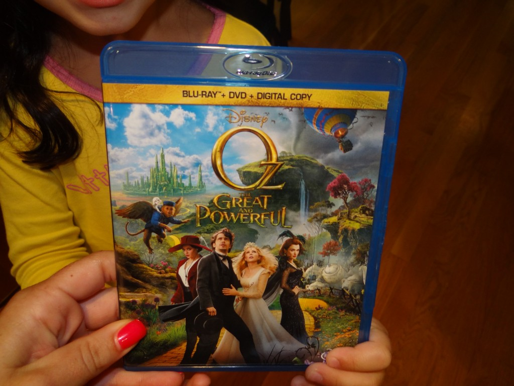 DSC01834 1024x768 Hayley LOVED Disneys Oz  The Great and Powerful!