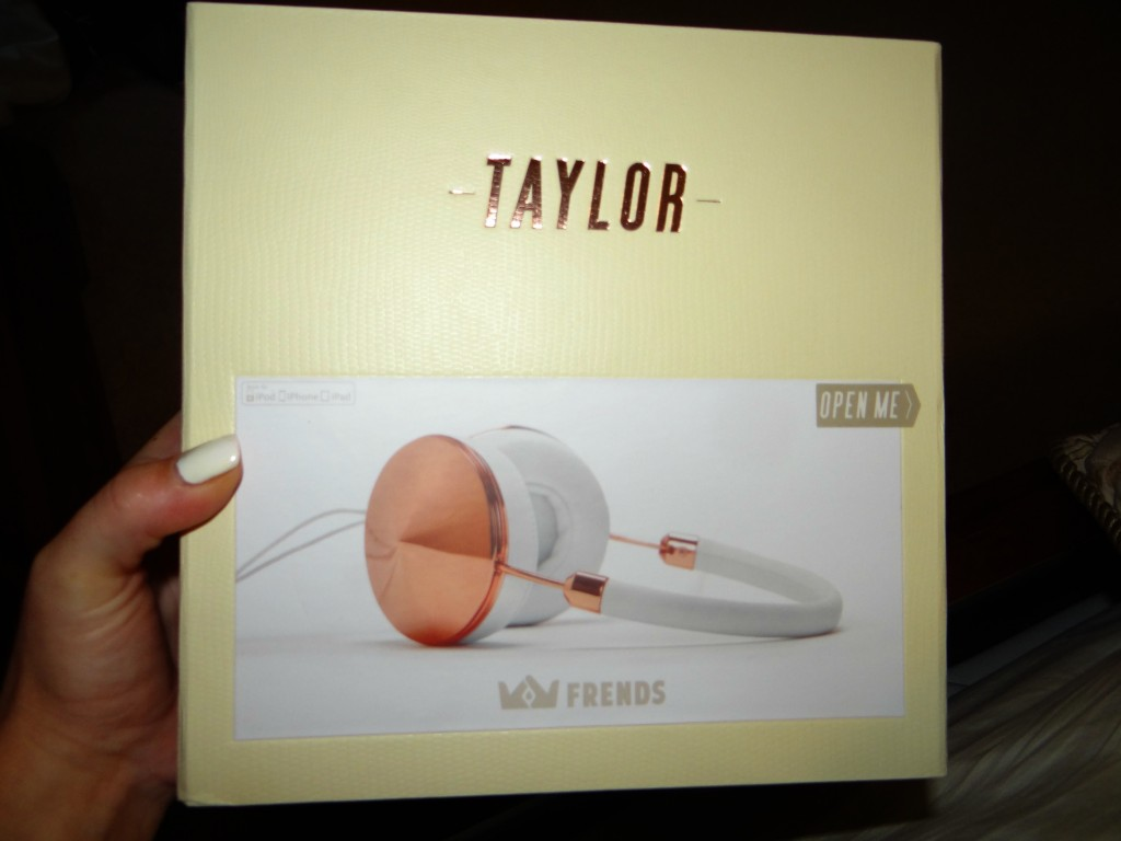 DSC02524 1024x768 Frends Taylor Stylish Headphones available at Best Buy Mobile Store!