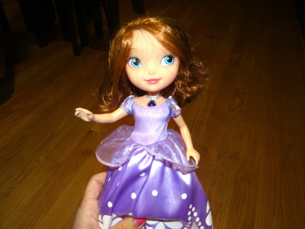 DSC03862 1024x768 Mattel's Disney Sofia the First Talking Sofia and Animal Friends Review and Giveaway!