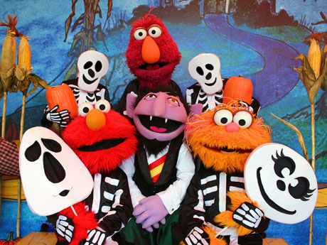 a7ef8f034fdb496c889f76ee1c92ddc9 countdown to halloween Sesame Place The Counts Halloween Spooktacular! @SesamePlace #SesamePlace
