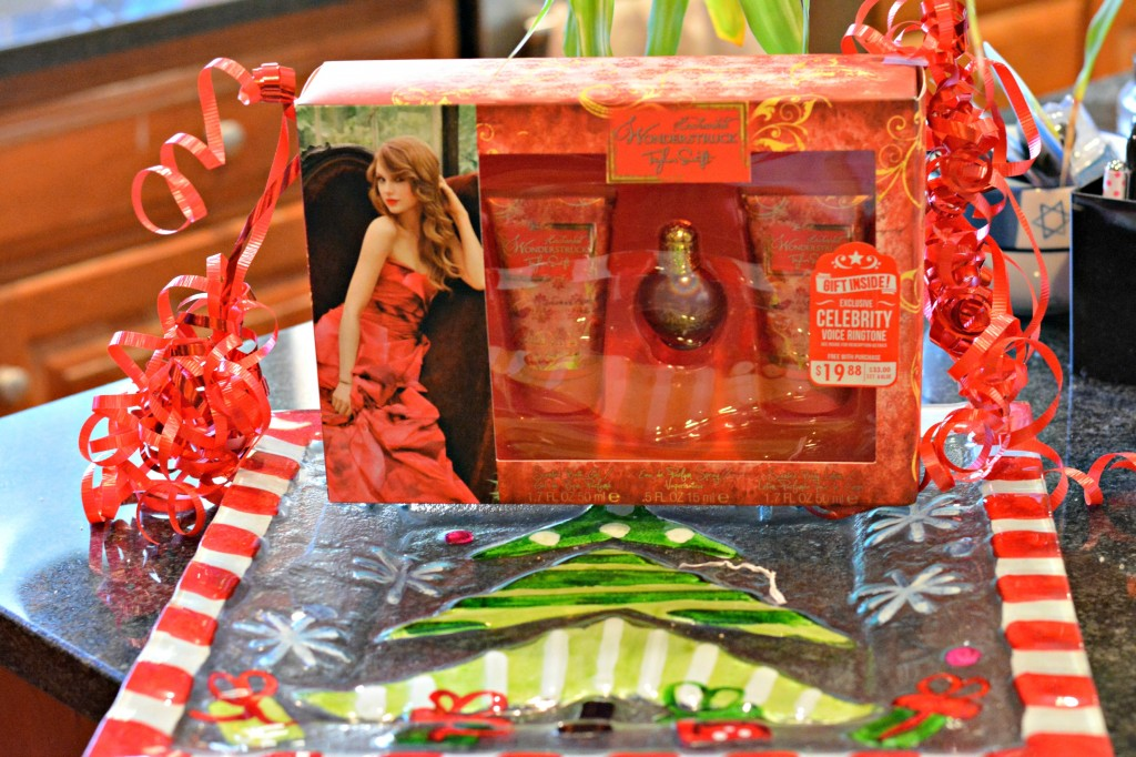 DSC 0423 1024x682 I found a great gift for our babysitter with the Enchanted Wonderstruck Taylor Swift Fragrance Gift Set! #ScentSavings #cbias #shop