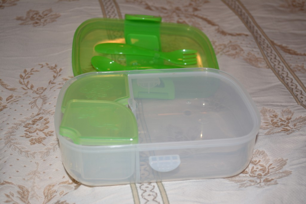 DSC 0719 1024x682 Munchkin Kids Products (plates, cups, lunch gear) Review and Giveaway!