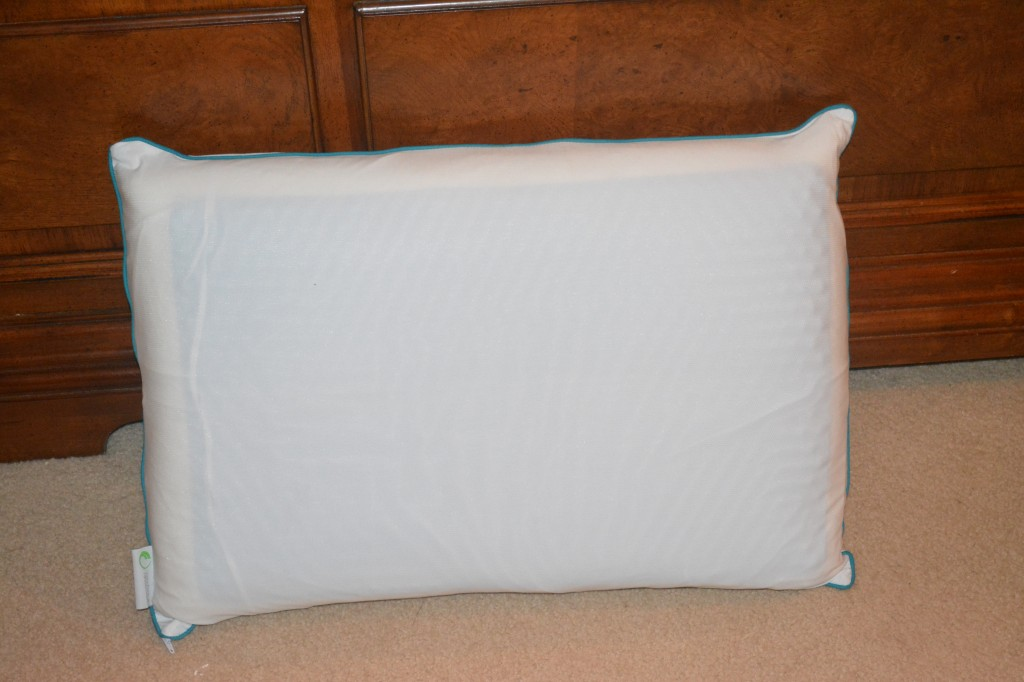 DSC 1262 1024x682 Comfort Revolution's Hydraluxe Cooling Gel Pillow Review and Giveaway!