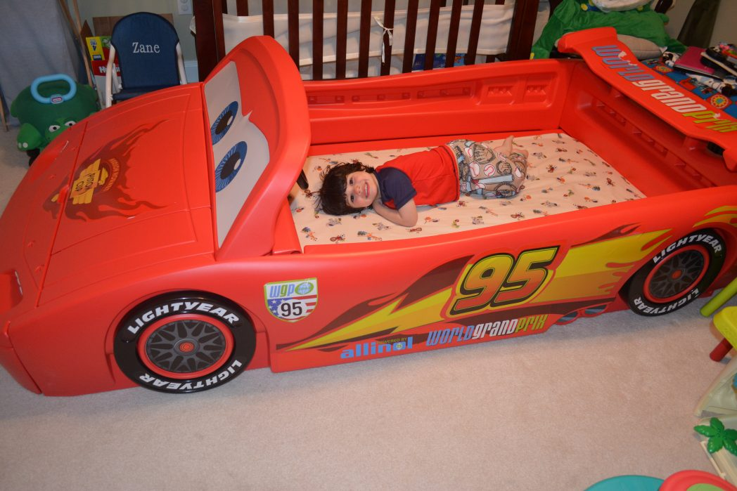 delta children's new pixar cars convertible toddler to twin bed is  - dsc