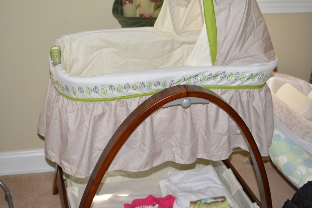DSC 1121 1024x682 Summer Infant Bentwood Bassinet With Motion is a Great Baby Product!