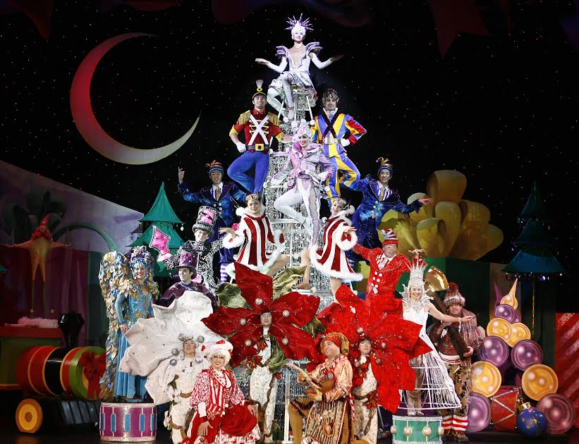Cirque Dreams Holidaze and a 4 Pack Ticket Giveaway! Providence Performing Arts Center, RI!