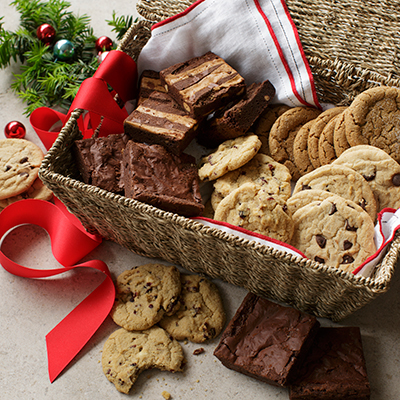 deer classics basket lrg Dancing Deer Baking Company Makes the Holidays Tasty and a Giveaway!