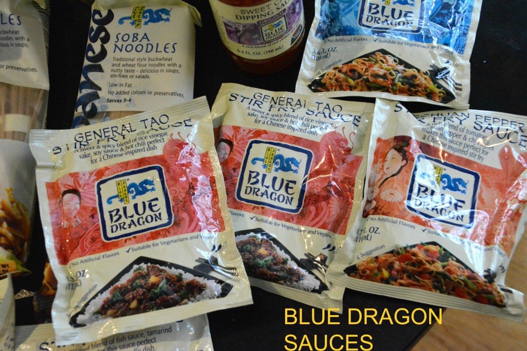 DSC 0163 1024x682 Creating General Tao Chicken using Blue Dragon Sauces and a Blue Dragon Giveaway (Sauces, Wok, spatula, chopsticks, containers)