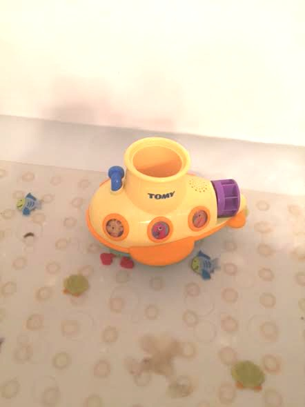 unnamed 51 TOMY Bath Toys make bath time something to sing about! Review + Giveaway!