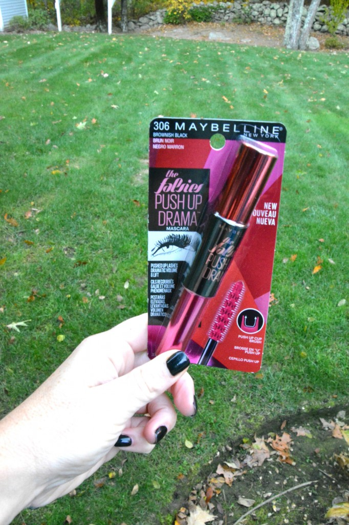 DSC 0453 682x1024 Getting Date Night Ready with the NEW Maybelline Falsies Push Up Drama Mascara!
