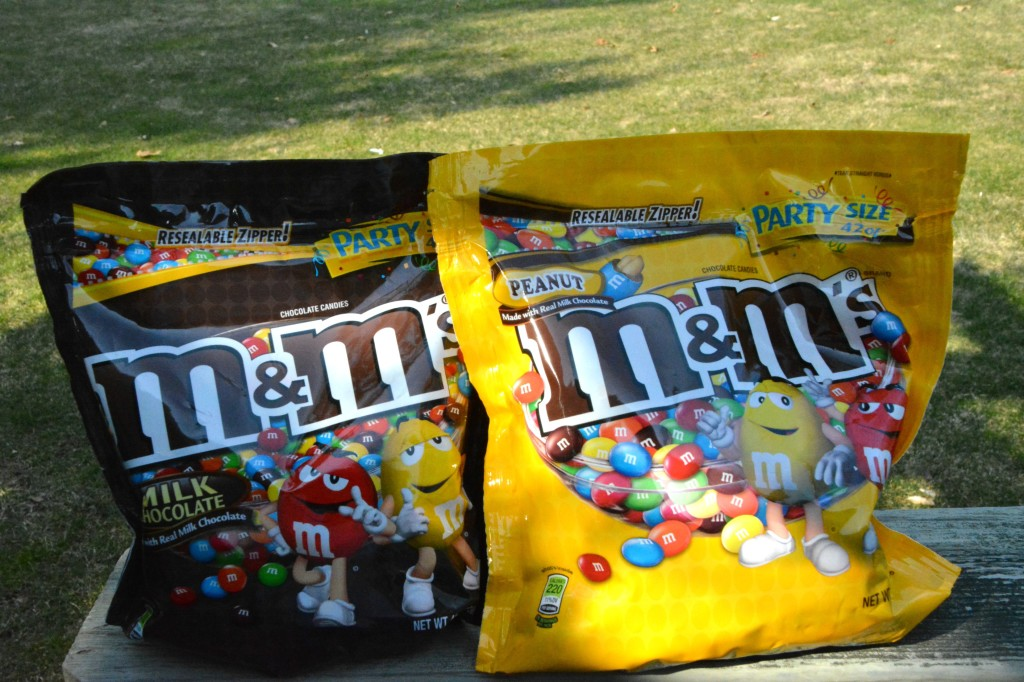 DSC 0930 1024x682 Family Game Night in Three Easy Steps + a M&Ms® Popcorn Ball Recipe!