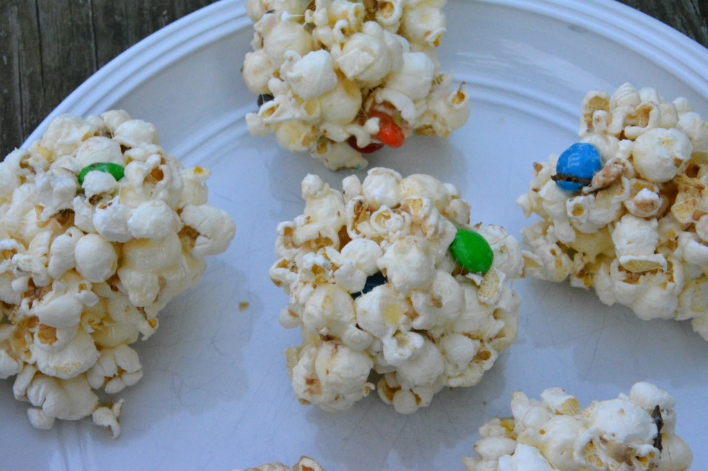 DSC 0951 1024x682 Family Game Night in Three Easy Steps + a M&Ms® Popcorn Ball Recipe!