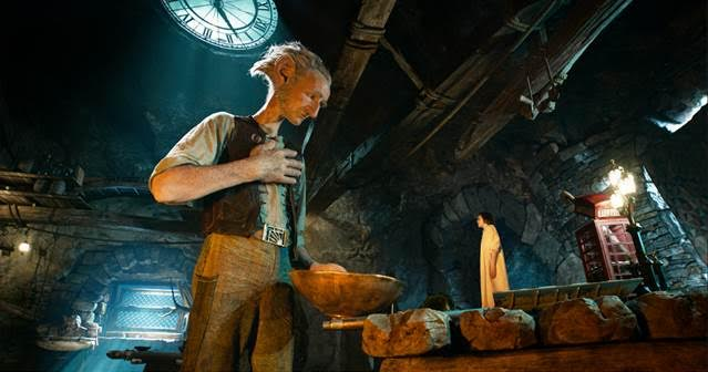 unnamed STOP and GO See The BFG now in THEATRES! #TheBFGEvent