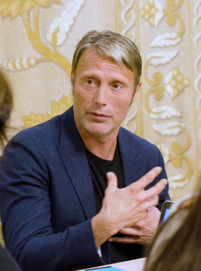 "Mads 2 700x945 My Interview with Mads Mikkelsen (""Kaecilius"")! #DoctorStrangeEvent"