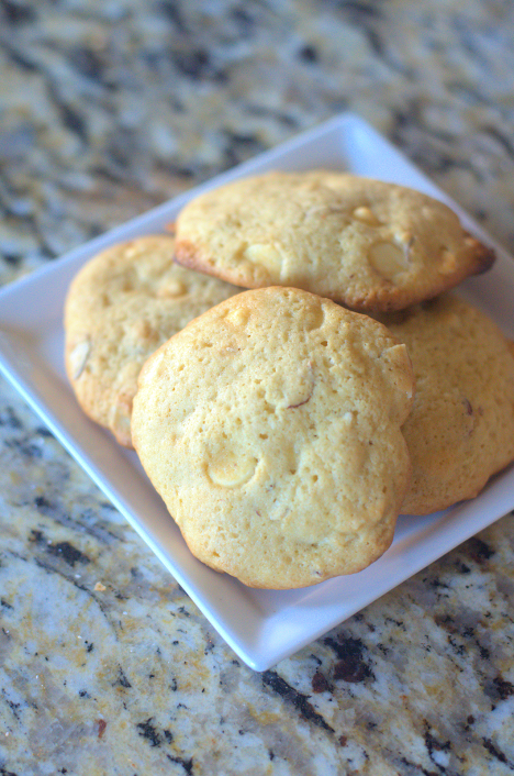 WhiteChocolateChipAlmondCookies6 Why You Must Try This White Chocolate Chip Almond Cookie!