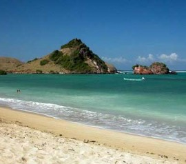 kuta beach lombok 270x238 Indonesian Travel   Experience a Place Like No Other