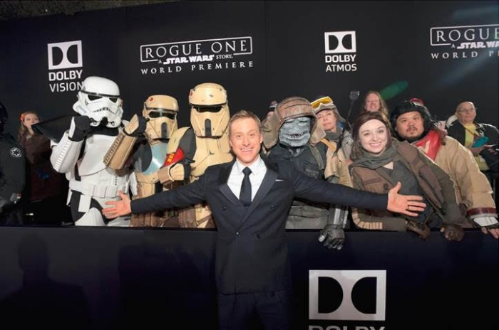 unnamed 113 700x464 ROGUE ONE: A STAR WARS STORY Opens in 5 days + World Premiere Photos!!!
