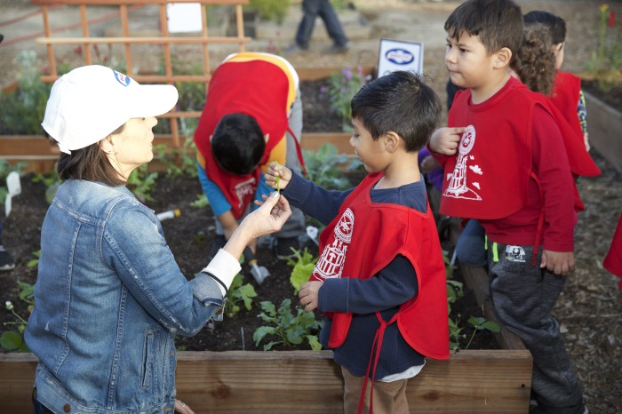 EMA Constance 5109 700x466 Birds Eye vegetables and the Environmental Media Association have teamed up for the #GreenMySchool program!