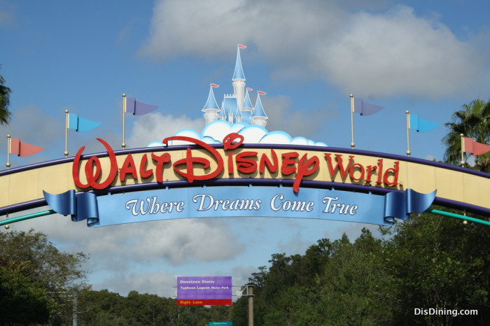 Walt Disney World Sign4 700x466 Proof that you're never too old for Disney!!