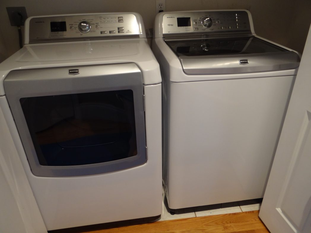 The Latest Bravos Xl Features 13 Speciality Cycles To Make It Easy On Us Moms Doing Laundry Is Truly Amazing As I No Longer Need Tell My Washer Dryer