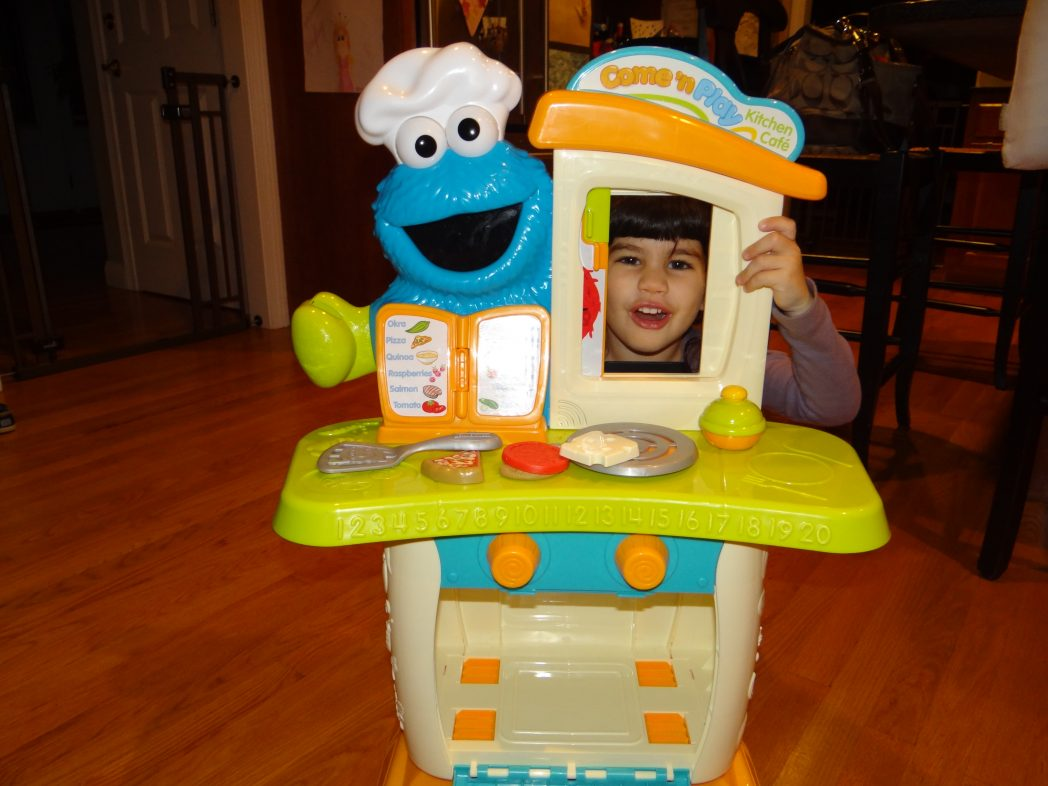 Sesame Street Come N Play Cookie Monster Kitchen Cafe Review Giveaway The Mommyhood Chronicles