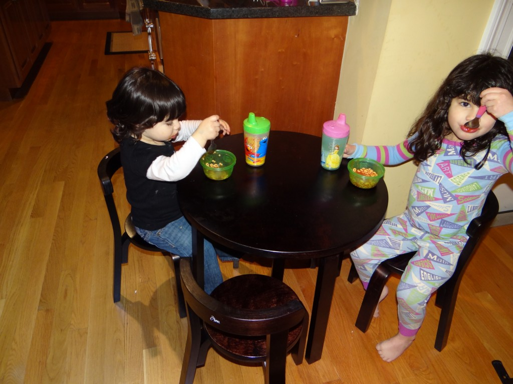 My kids love eating at our new SVAN table! - The Mommyhood Chronicles