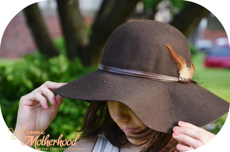 Kim-Kardashian-Hat