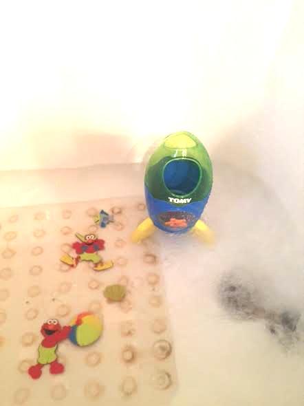 TOMY Bath