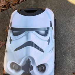 American Tourister Star Wars 20″ Spinner is AMAZING!