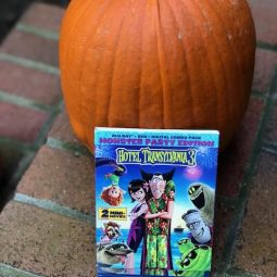 HOTEL TRANSYLVANIA 3 DVD Review + Giveaway!