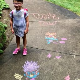 Having a Trolls-themed summer fun with Dreamworks Troll World Tour!